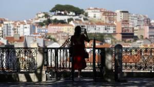 Portugal will Gesellschaft und Wirtschaft entlasten