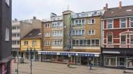 Ein Blick auf die unscheinbaren Qualitäten urbaner Architektur: Kaiser-Wilhelm-Straße in Duisburg-Marxloh, fotografiert 2014