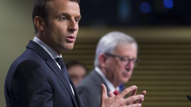 "Macron fordert bei Juncker ""soziales Europa"""