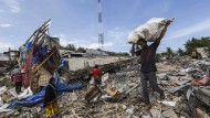 Mehr als 90 Tote nach schwerem Erdbeben in Indonesien
