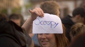 Blockupy - Im Rahmen der Blockupy-Proteste wollen rund 1500 Antikapitalismus-Kritiker in einem Rave durch die Innenstadt ziehen