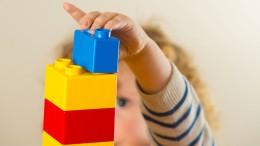 Mütter kehren schneller in familienfreundliche Betriebe zurück