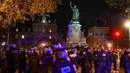 Pariser Polizei geht gewaltsam gegen Geflüchtete vor