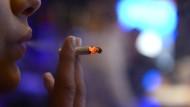 Viele Raucher sind von der Krankheit betroffen.