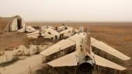 Syriens Luftwaffe ist weithin zerstört. Jetzt kommt russische Unterstützung.