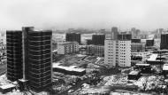 Neue Heimat für Zehntausende: Die Aufnahme zeigt den Stand der Bauarbeiten in der Nordweststadt im Februar 1965.