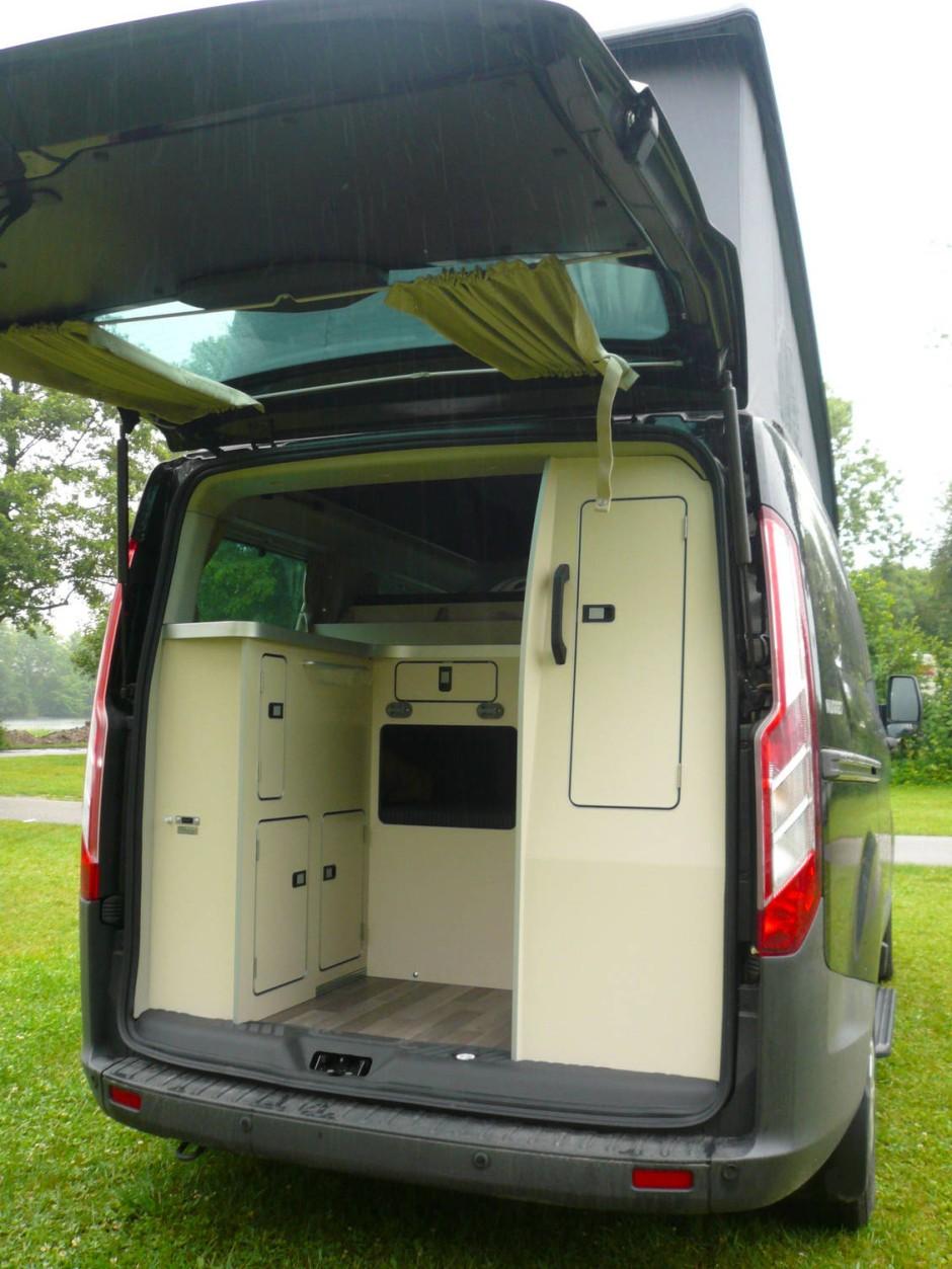 der ford nugget ist ein wandlungsf higes alltagsauto. Black Bedroom Furniture Sets. Home Design Ideas