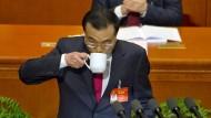 Chinas Regierungschef Li Keqiang bei seiner Rede auf der Jahrestagung des Volkskongresses in Peking