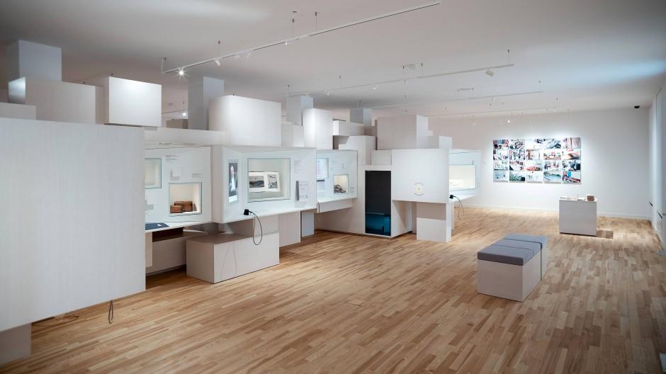 Blick in die Dauerausstellung: Exponate jüdischen Lebens sind im Rothschild-Palais des Jüdischen Museums in Frankfurt zu sehen.