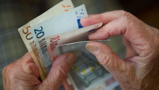 Höhere Beiträge für Reiche im Rentenstreit als Lösung?