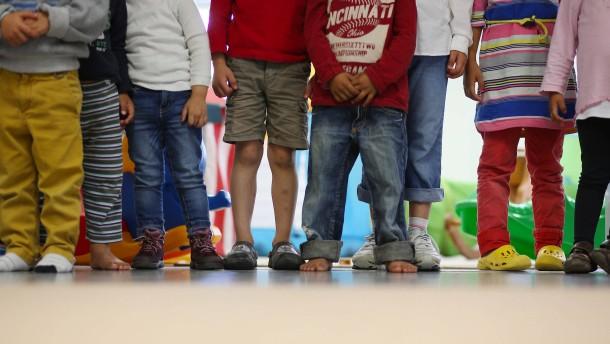 SPD: Mehr Kita-Plätze und Kostenfreiheit für Eltern