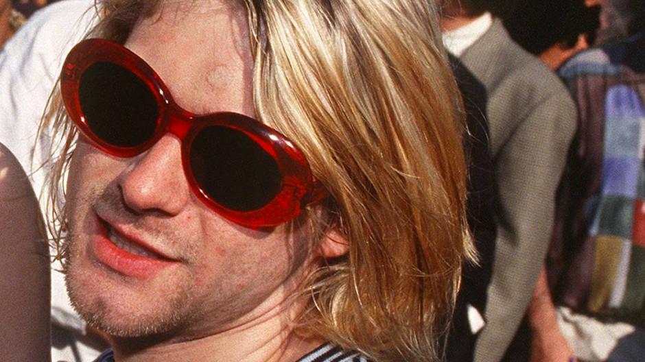 Kurt Cobain 1993 in Los Angeles auf dem Weg zu einer Preisverleihung