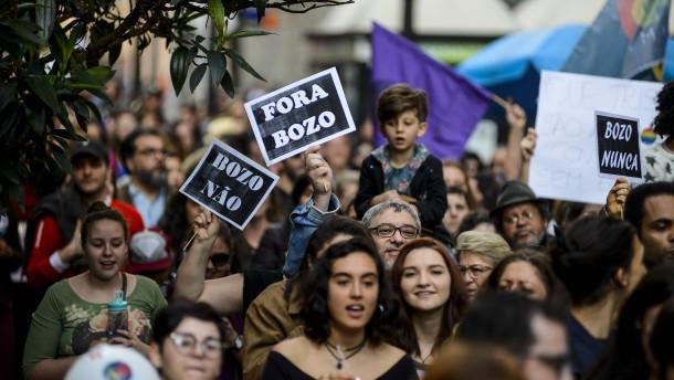 """""""Wir wählen nicht eine Partei, sondern Demokratie oder Autoritarismus"""""""