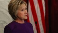 Clinton: Menschenleben sind in Gefahr