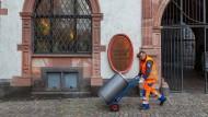 Kennt die Stadt, ihren Rhythmus und ihre Mülleimer: Peter Hilbert