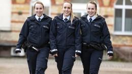 Drillinge landen bei der Polizei