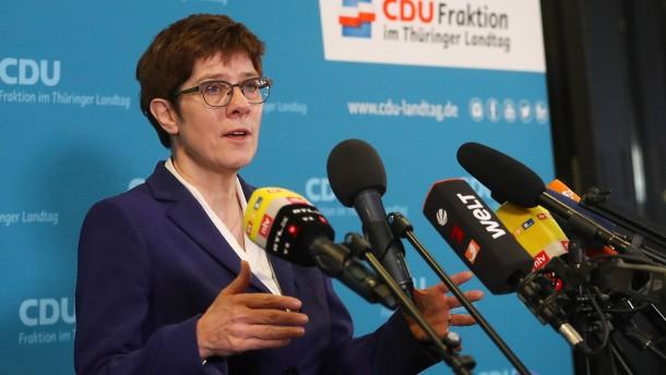 Kramp-Karrenbauer kann bei Thüringer CDU keine Neuwahlen durchsetzen