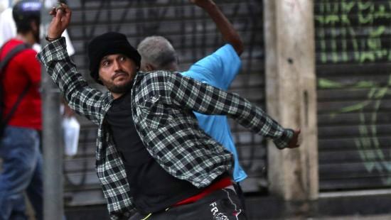 Gewaltsame Proteste gegen Fahrpreiserhöhungen in Brasilien