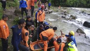 Tote bei Busunfall in Indonesien
