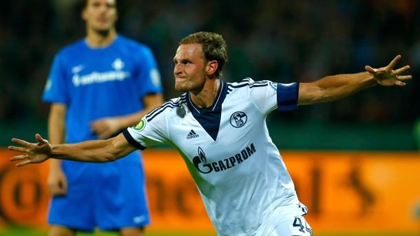 Schalke meistert die Prüfung in Darmstadt