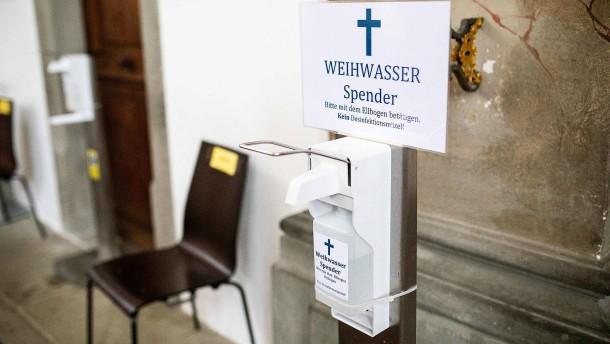 Wallfahrtskirche montiert kontaktlosen Weihwasserspender