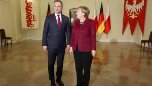 Merkel mahnt Polen