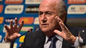 Blatter wirft Fifa-Kritikern Rassismus vor