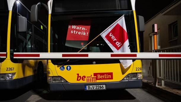 Bundesweite Streiks im öffentlichen Nahverkehr