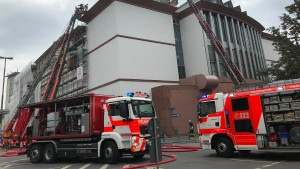 Feuer auf dem Dach des Museums für Moderne Kunst