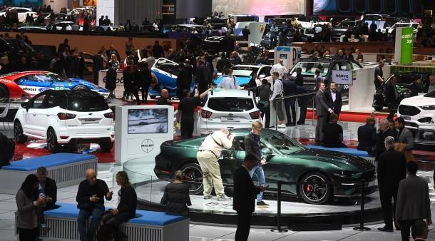 Schnelle Autos, schöne Frauen: Die Macho-Welt im Wandel?