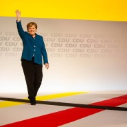 Im vergangenen Dezember gab Angela Merkel den Parteivorsitz ab, blieb aber Kanzlerin.