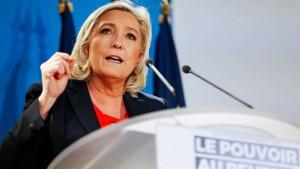 """Wie Marine Le Pen den Aufruhr der """"Gelbwesten"""" anfacht"""