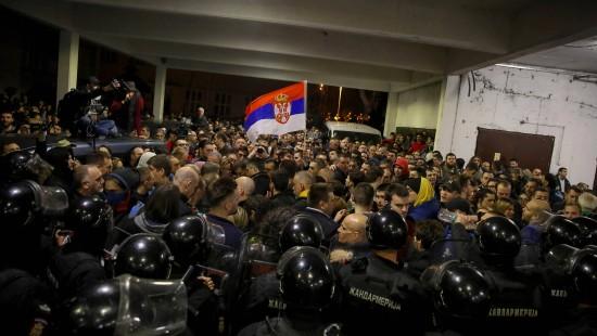Sturm auf serbischen Staatssender