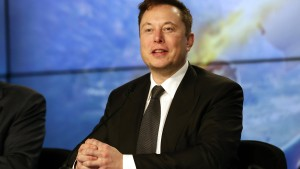 Musk stänkert gegen Bezos