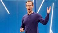 Mark Zuckerberg, Vorstandsvorsitzender von Facebook, spricht im Mai 2018 auf der Facebook-Entwicklungskonferenz F8.