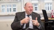 Seit drei Monaten im Amt: Wolfgang Kreher ist verantwortlich für mehr als 80 000 Schüler und rund 7500 Lehrer.