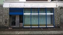 Ein Schatten ihrer selbst: Geschlossene Filiale der Deutschen Bank