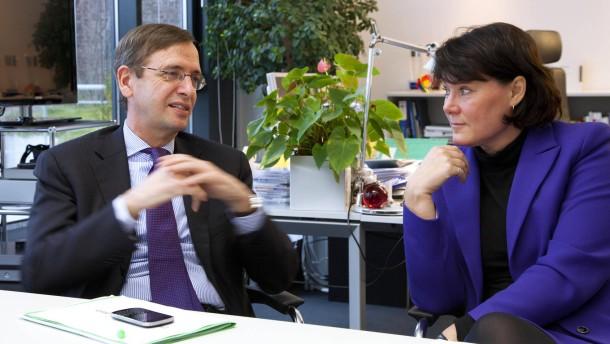 Anke Schäferkordt und Guillaume de Posch - die neue Doppelspitze der RTL Group, die größte private Senderkette Europas, im Gespräch mit Johannes Ritter in Köln.