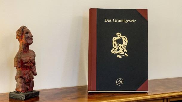 Literatur und Verfassung