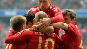 Gomez rettet müde Bayern