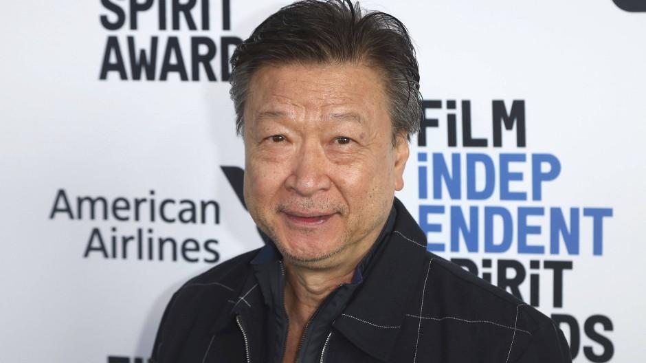 Dem Schauspieler Tzi Ma  (Mulan) wurde beim Einkaufen gesagt, er solle gefälligst in Quarantäne gehen – weil er asiatisch aussieht.