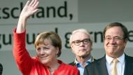 Angela Merkel und Armin Laschet beim Wahlkampf in Bergisch-Gladbach