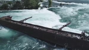 Niagarafälle-Wrack droht Absturz