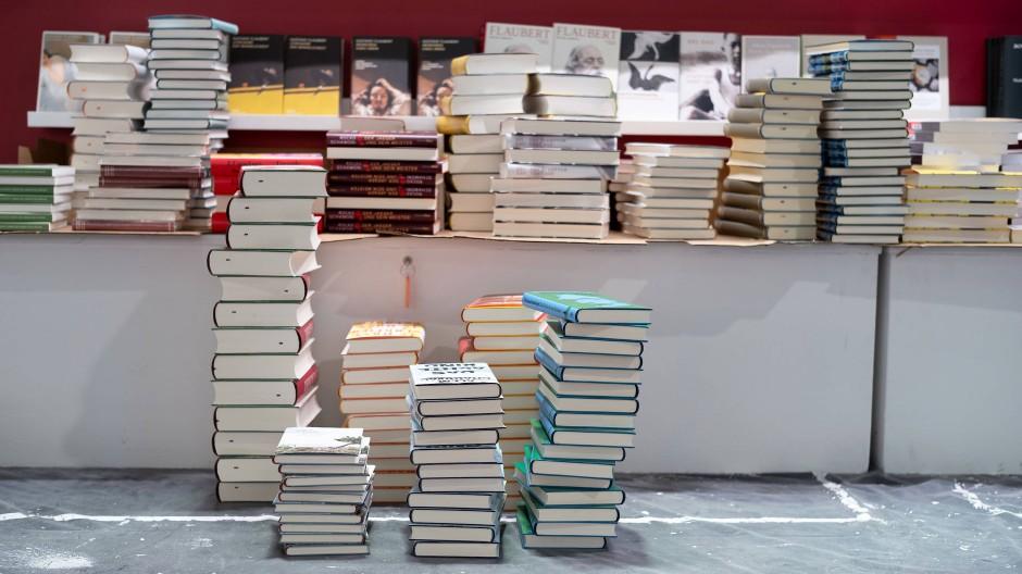 Aufbauarbeiten für die Frankfurter Buchmesse 2021