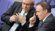 Als die große Koalition noch unbefleckt war: Volker Kauder und Thomas Oppermann am 16. Januar im Bundestag