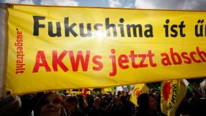 Tausende Atomkraftgegner demonstrieren