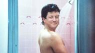 """David Cameron in der Traumszene aus der Fernsehserie """"Dallas"""" als Bobby Ewing (Bildmontage)"""