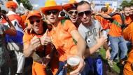 Niederlande und Costa Rica ziehen ins Viertelfinale ein
