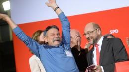 Neu-Genosse stürmt SPD-Bühne bei Schulz-Rede