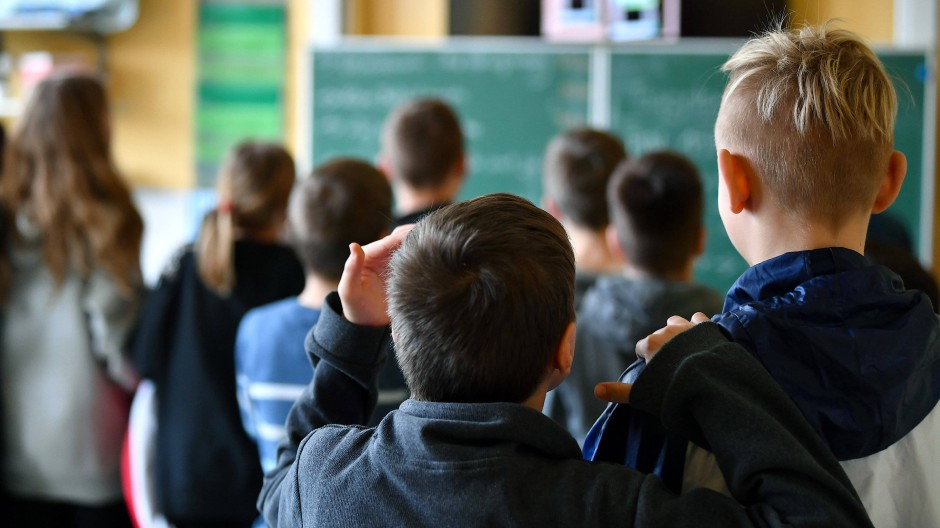 Wenn die Schüler in die Qualifikationsphase zum Abitur kommen, ist Erdkunde als Fach nicht mehr verpflichtend – wenn es überhaupt angeboten wird. (Symbolbild)